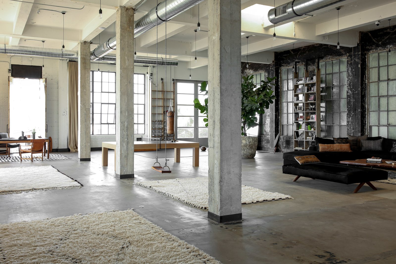 A 400 square meter industrial penthouse in los angeles for Arredare loft open space